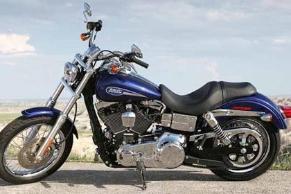 Harley-Davidson FXDLI Dyna Low Rider motorcycle review - Side view