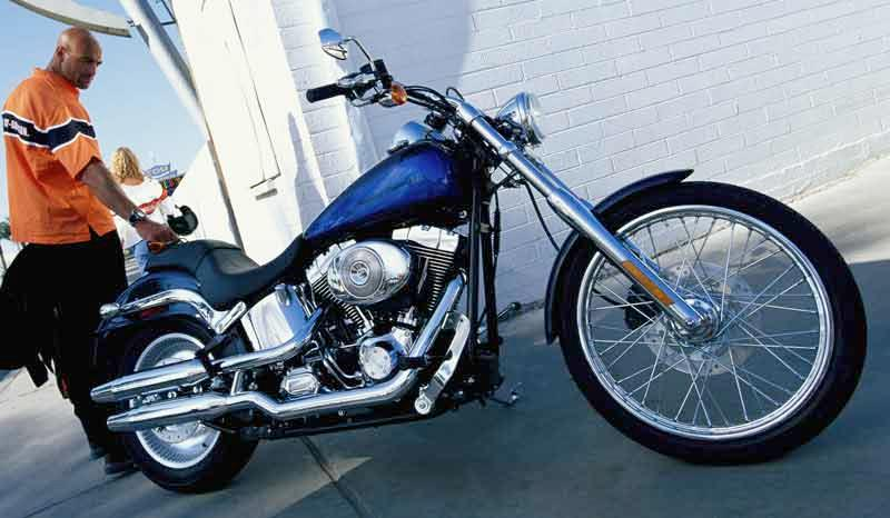 harley davidson deuce (1999 2005) motorcycle review mcnharley davidson fxstd softail deuce motorcycle review side view \