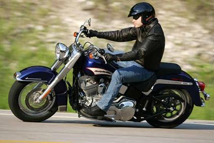 Harley-Davidson FLST/I Heritage Softail motorcycle review - Riding