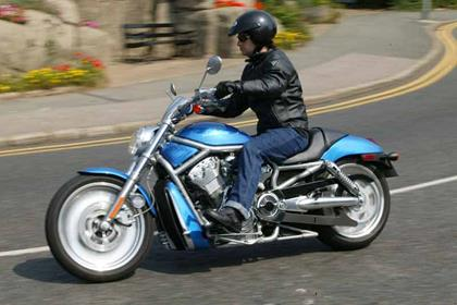 Harley-Davidson VRSCA V-Rod motorcycle review - Riding