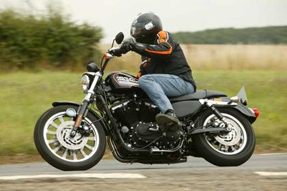 Harley-Davidson XL883 Sportster motorcycle review - Riding