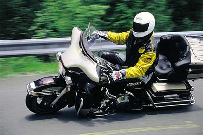 Harley-Davidson FLHTC Electra Glide motorcycle review - Riding