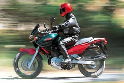 Suzuki XF650 Freewind motorcycle review - Riding