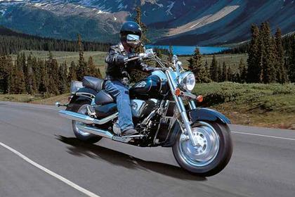 Suzuki VL1500 Intruder motorcycle review - Riding