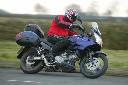 Suzuki DL1000 V-Strom motorcycle review - Riding