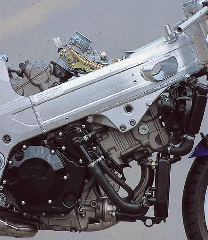 suzuki tl1000r 1998 2004 review mcn rh motorcyclenews com