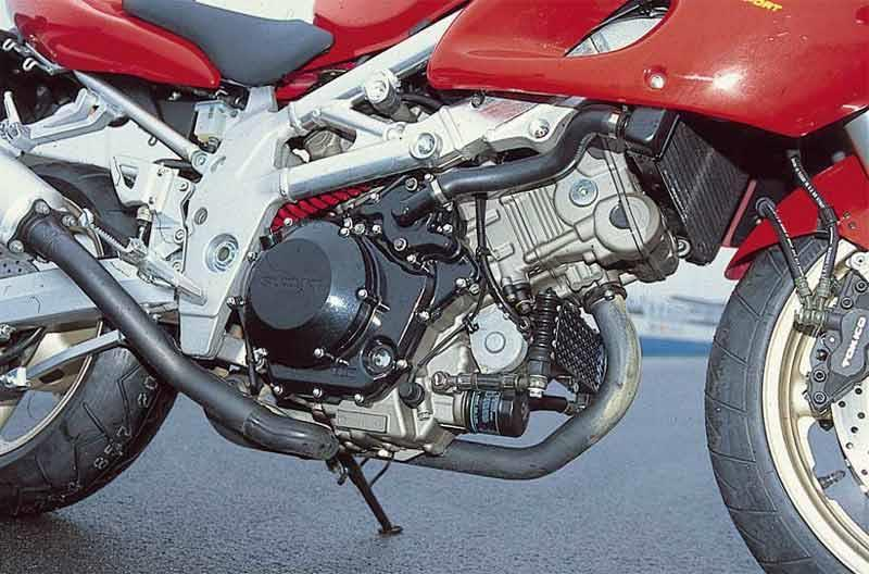 suzuki tl1000s 1997 2001 review mcn suzuki tl1000s motorcycle review engine