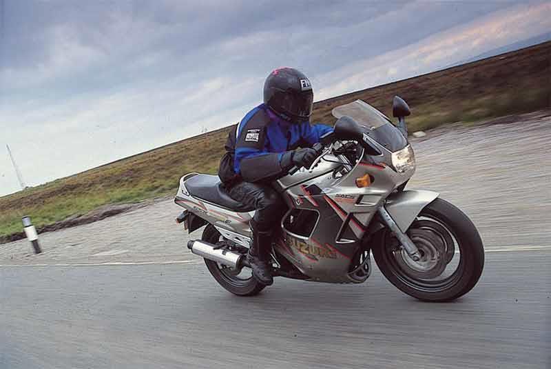 K/&N Oil filter For Suzuki 2000 GSX600F FY