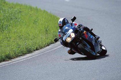 Suzuki GSX-R600 motorcycle review - Riding