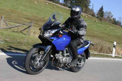 Suzuki DL650 V-Strom motorcycle review - Riding