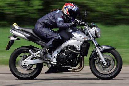 Suzuki GSR600 motorcycle review - Riding