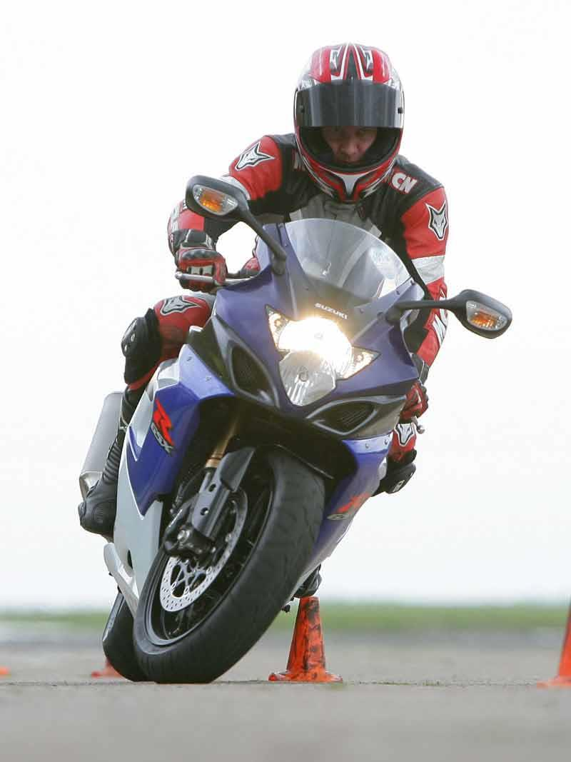 1000 Images About Tarot Circle: SUZUKI GSX-R1000 (2005-2006) Review