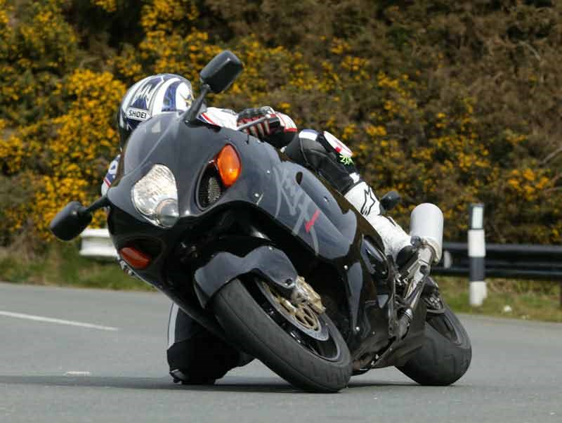 SUZUKI GSX1300R HAYABUSA (1999-2007) Motorcycle Review | MCN