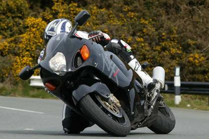 Suzuki GSX1300R Hayabusa motorcycle review - Riding