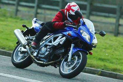 Suzuki SV650/S motorcycle review - Riding