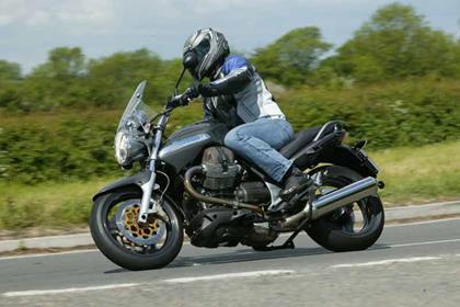Moto Guzzi Breva 1100 motorcycle review - Riding