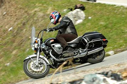 Moto Guzzi California 1100EV motorcycle review - Riding