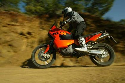 KTM 950/990 Adventure motorcycle review - Riding