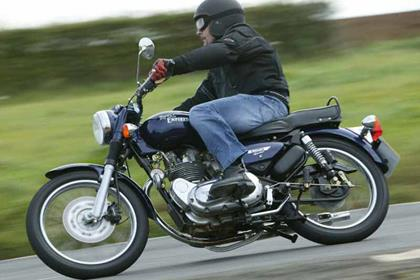 Royal Enfield Bullet Electra motorcycle review - Riding
