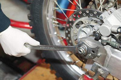 How to check and replace wheel bearings